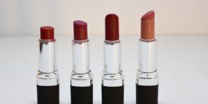 four-aligned-assorted-color-lipsticks-1625037